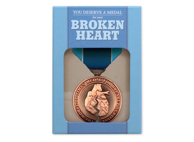 10051_BrokenHeart_Box